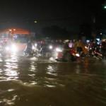 Lội nước giữa Sài Thành