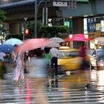 Saigon mưa khi đang nắng