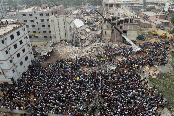 130424-bangladesh-building-collapse-01