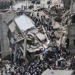 Gần 100 người chết vì sập xưởng may ở Bangladesh