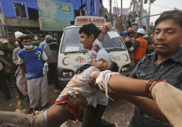 130426-bangladesh-building-collapse-aftermath-03
