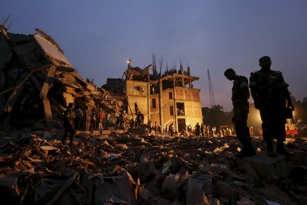 130426-bangladesh-building-collapse-aftermath-06