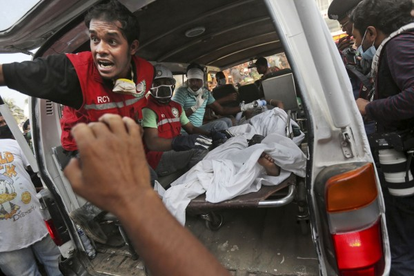 130426-bangladesh-building-collapse-aftermath-08