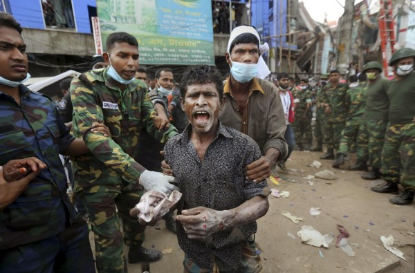 130426-bangladesh-building-collapse-aftermath-10