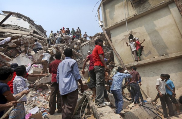 130426-bangladesh-building-collapse-aftermath-14