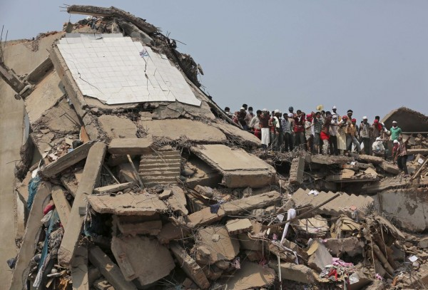 130426-bangladesh-building-collapse-aftermath-15