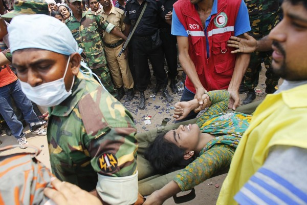 130426-bangladesh-building-collapse-aftermath-17