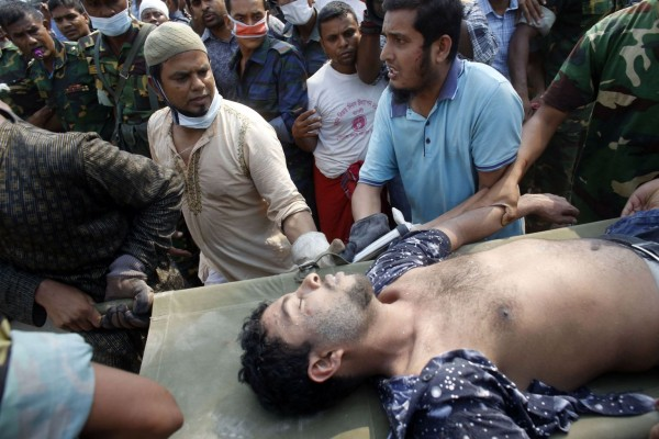130426-bangladesh-building-collapse-aftermath-19