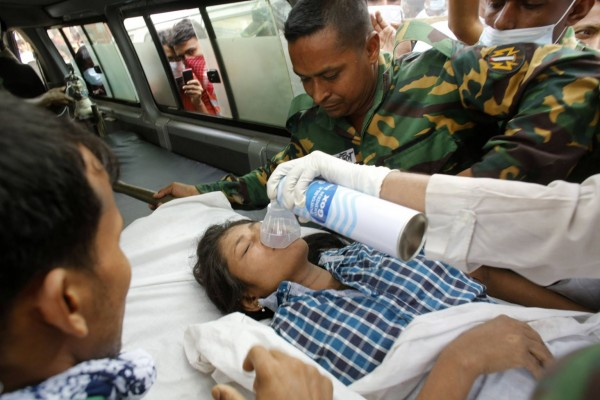 130426-bangladesh-building-collapse-aftermath-20