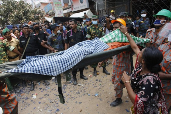 130426-bangladesh-building-collapse-aftermath-23