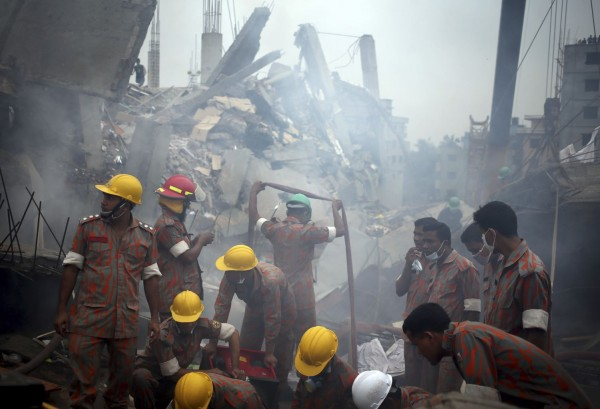 130429-bangladesh-building-collapse-01