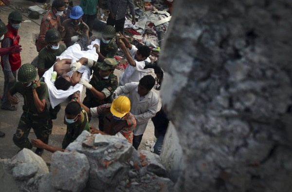 130429-bangladesh-building-collapse-07
