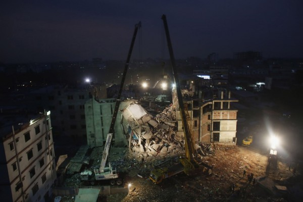 130429-bangladesh-building-collapse-19
