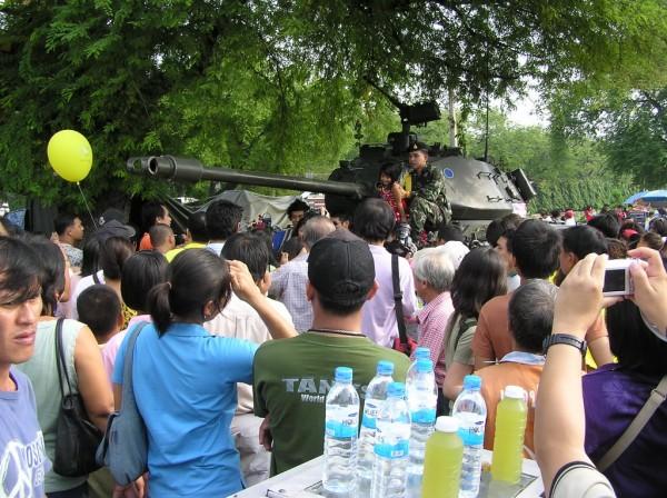 0609-24-26-phphuoc-thailand-bangkok-coup-003_resize