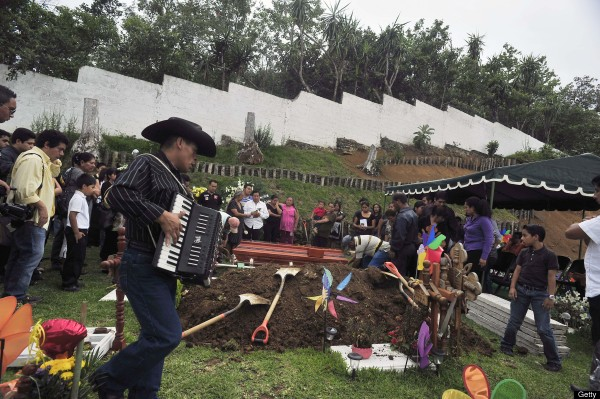 120615-Mexican journalist Victor Baez-killed-01