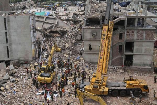 130430-bangladesh-building-collapse-03