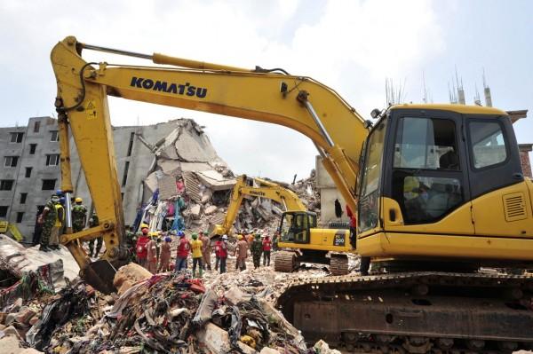 130430-bangladesh-building-collapse-04