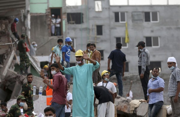 130430-bangladesh-building-collapse-06