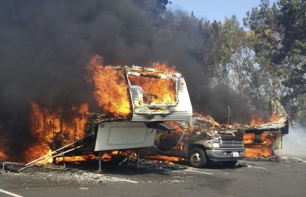 130502-wildfire-ventura-california-10