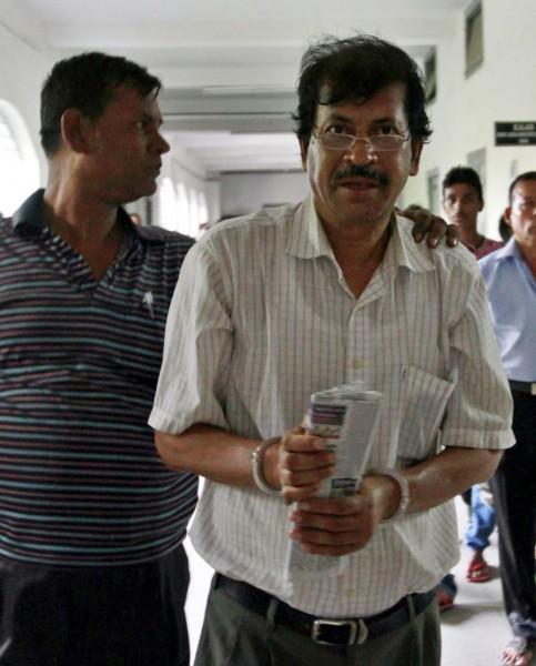 130503-bangladesh-building-collapse-09-engineer-abdur-razzak-khan-arrested