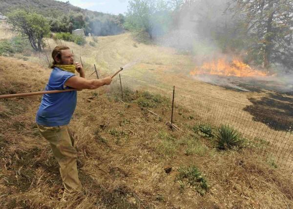 130503-wildfire-malibu-california-01