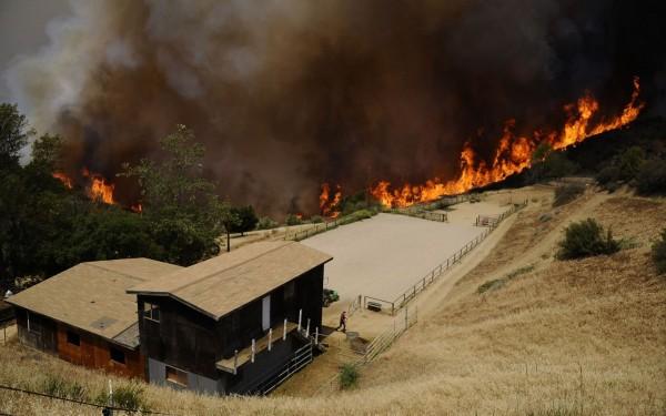 130503-wildfire-ventura-california-04