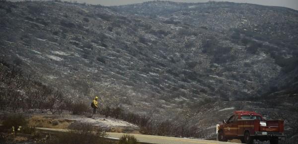 130503-wildfire-ventura-california-16
