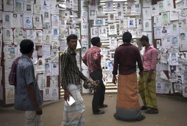 130504-bangladesh-building-collapse-02