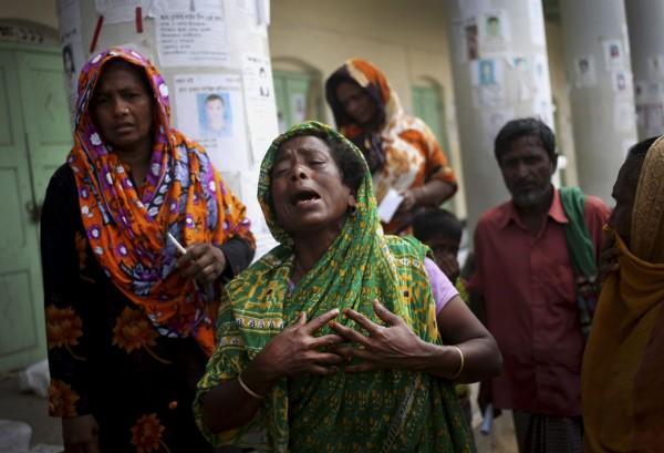 130504-bangladesh-building-collapse-07