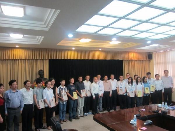 130509-intel-isef-vietnam-meetings-01