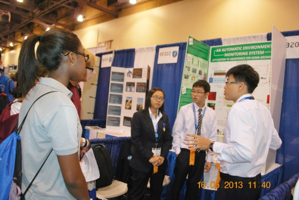 130516-phphuoc-intel-isef-phoenix-exhibits-084-1024