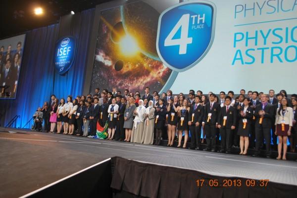 130517-phphuoc-intel-isef-phoenix-awards-067_resize