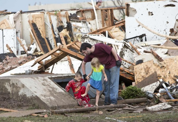 130520-oklahoma-tornado-01