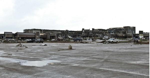 130520-oklahoma-tornado-03
