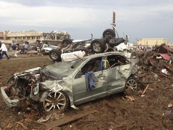 130520-oklahoma-tornado-14