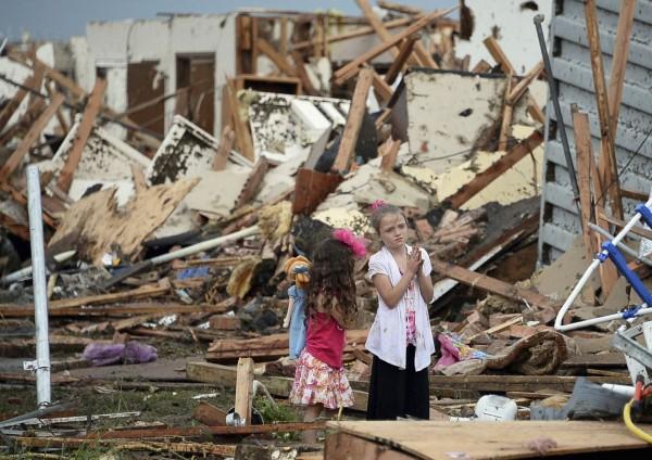 130520-oklahoma-tornado-20