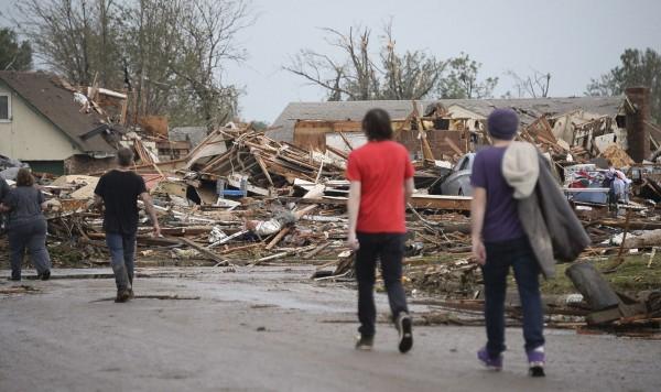 130520-oklahoma-tornado-22