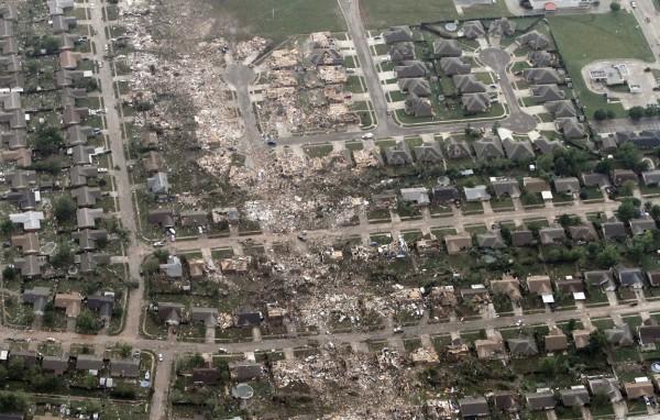 130520-oklahoma-tornado-30