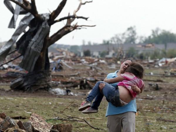 130520-oklahoma-tornado-32