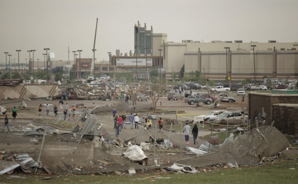 130520-oklahoma-tornado-41
