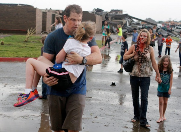 130520-oklahoma-tornado-ap-06-teachers-pupils