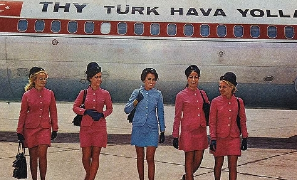 turkish-airlines-attendnats-1960s-02