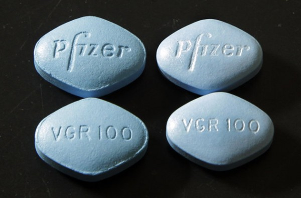 viagra-fake-left-and-real-right
