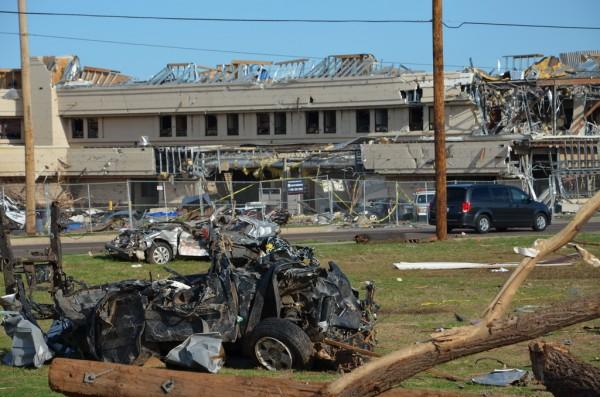 130602-mvannhan-tornado-moore-ok-001_resize