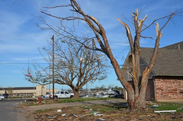 130602-mvannhan-tornado-moore-ok-007_resize