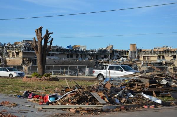 130602-mvannhan-tornado-moore-ok-008_resize