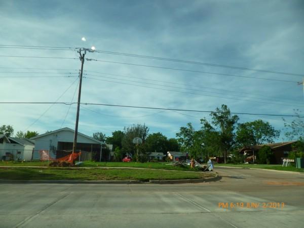 130602-phphuoc-oklahoma-moore-tornado-009_resize