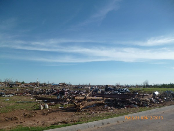 130602-phphuoc-oklahoma-moore-tornado-013_resize