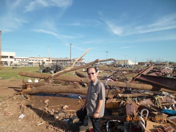 130602-phphuoc-oklahoma-moore-tornado-019_resize
