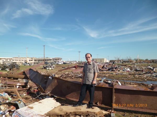 130602-phphuoc-oklahoma-moore-tornado-021_resize